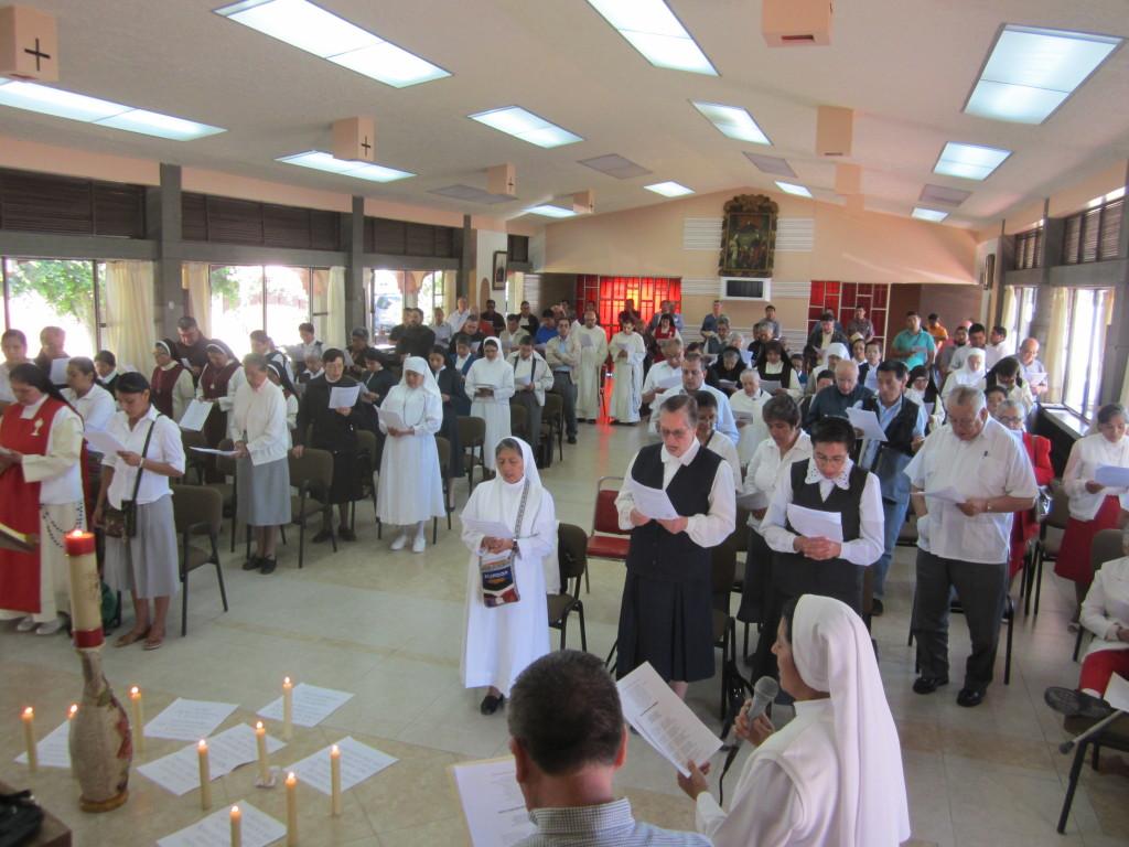 Asamblea de sacerdotes, religiosos y religiosas (Foto J. Lorenzo Guzmán J.)